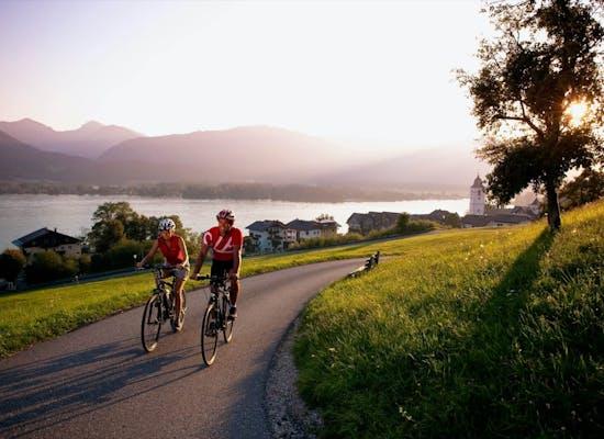 Cycling beside Wolfgangsee
